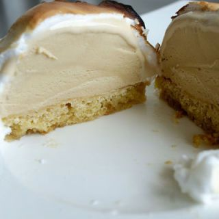 Esponja cake topped with ice cream surrounded by baked meringue — better known as Baked Alaska — became popular in the 1960s as a showy dessert to impress your dinner guests.