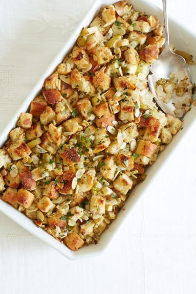 Deze festive fall stuffing is studded with fresh seasonal flavors and guaranteed to impress this Thanksgiving.Recipe: Herb and Apple Stuffing