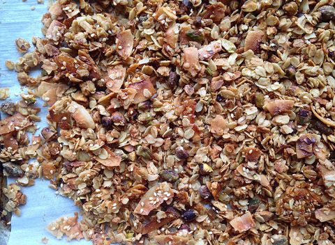 Acest homemade granola recipe is delicious.