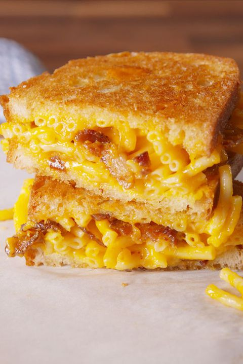 Мац and Cheese Grilled Cheese vertical