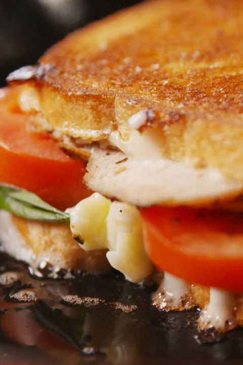 Цапресе Chicken Grilled Cheese Vertical
