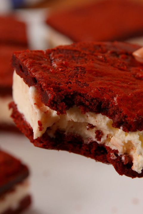 Rood Velvet Ice Cream Sandwiches