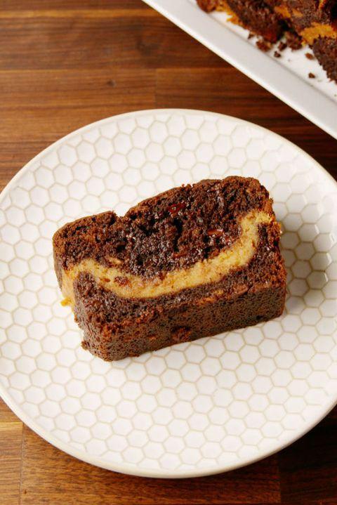 gallery-1515192379-delish-buckeye-banana-bread-pin-2_13448